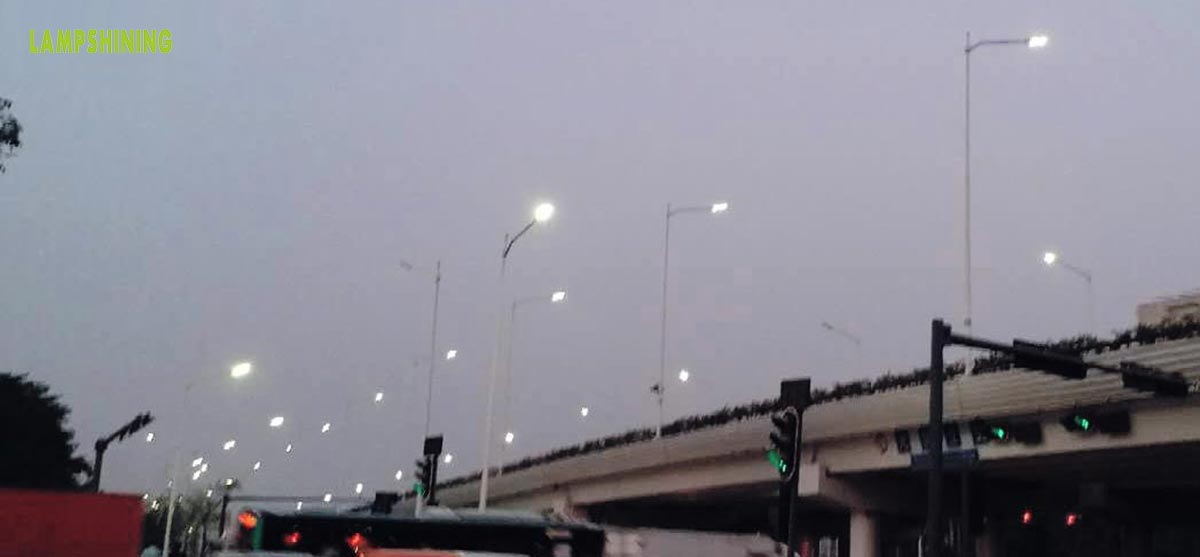 LED street lights replaces HID street lights