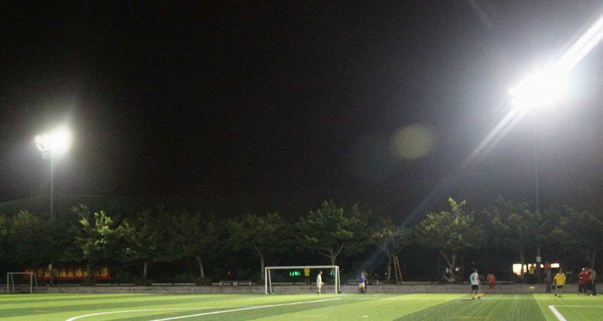 Outdoor Football Field Lighting Should Choose Hps Light Or