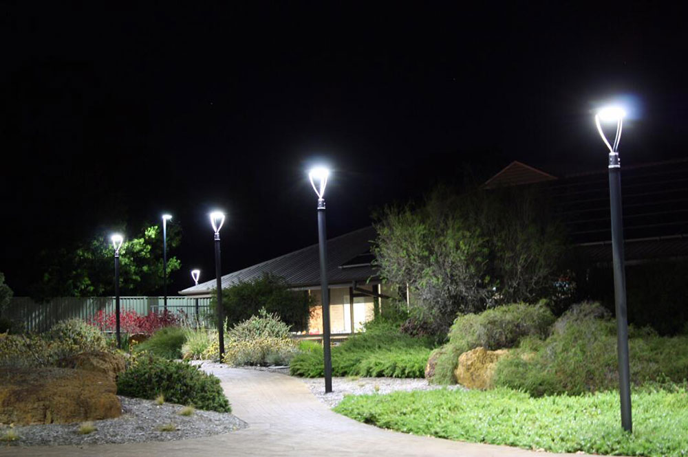 LED landscape light fixtures