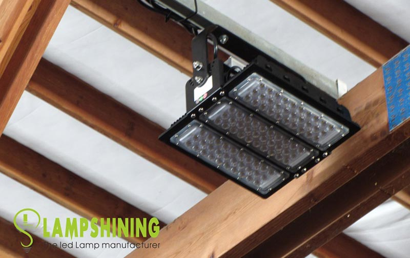 120W LED Low Bay Luminaire for Racecourse Lighting