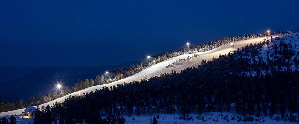 led ski slope lighting