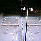 Replace the metal halide lamp of the tennis court